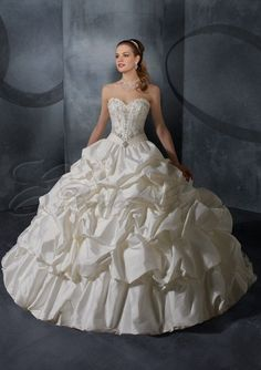 Silky Taffeta with Embroidery Stitched Boning Bodice A-line Wedding Dress