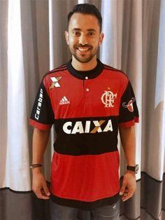 Fla oficializa contratação de Everton Ribeiro: 'Feliz de realizar um sonho'