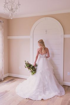 Beautiful arch to display your wedding dress!