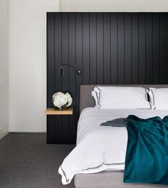 30 amazing black and white bedroom design ideas for 2020 Timber Feature Wall, Black Feature Wall, Feature Wall Bedroom, Bedroom Wall, Feature Walls, Bedroom Loft, Bedroom Storage, White Bedroom Design, Bedroom Colors
