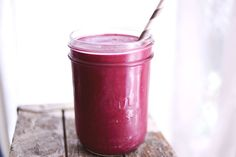 Favorite smoothie recipes! www.abeautifulmess.com