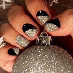 Nail art nera con glitter silver
