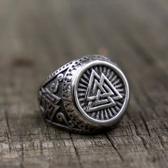 Heavy Metal Fashion, Viking Jewelry, Stainless Steel Jewelry, Unique Rings, Types Of Metal, Vikings, Rings For Men, Anti Christ