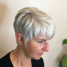 50 Gray Hair Styles Trending in 2019 Hair Adviser Short Grey Hair Adviser Gray Hair shortgreyhair Styles Trending Short White Hair, Short Hair Cuts, Short Hair Styles, Short Wavy, Short Wedge Haircut, Pompadour Style, Low Maintenance Haircut, Transition To Gray Hair, Curls For Long Hair