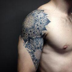 Pedro Contessoto, Flowers, tattoos, ornamental, colors, fineline, shoulder, man