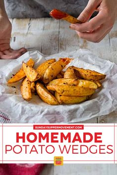 Baked Crispy Potato Wedges are a perfect side dish! They are crispy on the outside but soft on the inside and so tasty. #SundaySupper #potatowedges #crispy #bakedpotatowedges #wedges #crispywedges #bakedwedges #sidedish Homemade Potato Wedges, Crispy Baked Potato Wedges, Easy Baked Potato, Roasted Potato Wedges, Potato Wedges Recipe, Crispy Potatoes, Tasty Potato Recipes, Side Dish Recipes, Beef Recipes