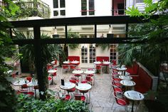 sélection de petits-dej parisiens pour bien commencer la journée. 1836 Ouvert cet automne à la place de...