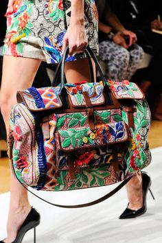 Barbara Bui at Paris Fashion Week Spring 2013 - Details Runway Photos Best Handbags, Purses And Handbags, Fashion Bags, Fashion Accessories, Paris Fashion, Folk Fashion, Boho Bags, Estilo Fashion, The Bikini