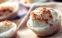 Hertzoggie Coconut Cupcakes with Rooibos Coconut Cupcakes, South African Recipes, Sweet Tarts, Tea Recipes, Sweet Bread, Cheesecake, Ice Cream, Sweets, Africa