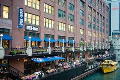 Chicago Bars and Restaurants With Bizarre Backstories