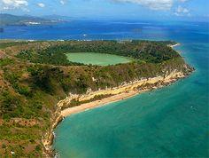 Le lac du volcan Dziani à Mayotte