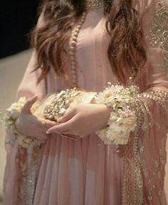 Pakistani Party Wear Dresses, Pakistani Wedding Outfits, Pakistani Bridal Dresses, Pakistani Dress Design, Latest Bridal Dresses, Asian Bridal Dresses, Bridal Outfits, Fancy Dress Design, Bridal Dress Design