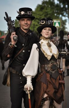 Safari Steampunk Anyone? Steampunk is a rapidly growing subculture of science fiction and fashion. Viktorianischer Steampunk, Costume Steampunk, Steampunk Design, Steampunk Wedding, Steampunk Clothing, Steampunk Fashion, Steampunk Outfits, Steampunk Halloween, Steampunk Necklace