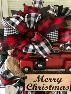 22 Charming Outdoor Christmas Tree Decorations You Must Try this Year - The Trending House Christmas Red Truck, Merry Christmas Sign, Plaid Christmas, Rustic Christmas, Christmas Wreaths, Christmas Crafts, Christmas Ornaments, Christmas Ideas, Christmas 2019