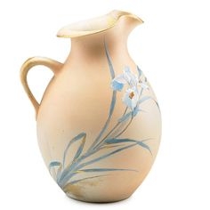 Rookwood pitcher with a matt finish, by Kataro Shirayamadani. Rookwood Pottery, Pottery Vase, Art Nouveau, Art Deco, Crystal Glassware, Vintage Pottery, Teapots, Stoneware, Glaze
