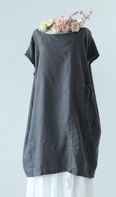 tina-givens Kade tunic dress. They don't sell the pattern for this unfortunately. Adorable dress.