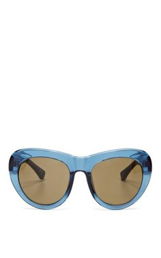 2395490b285 Made In The Shade  What Your Sunglasses Say About You