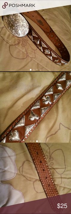 """Justin Belt Justin Belt with silvertone detail Size 34, Measures 40"""" long Minor wear on buckle Justin Boots Accessories Belts"""