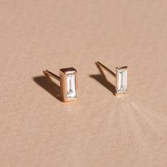 Tiny Bezel Baguette Diamond Stud - STONE AND STRAND