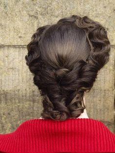 Old Hollywood hair Civil War Hairstyles, Historical Hairstyles, Edwardian Hairstyles, Retro Hairstyles, 1800s Hairstyles, Old Hollywood Hair, Locks, Musical Hair, Retro Updo