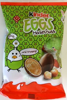 "The ""Ferrero Kinder Chocolate Eggs - Milk & Cocoa Cream"" are small chocolate eggs, filled with delicious Hazelnut milk cream and a crun… Milka Chocolate, Chocolate Coating, Easter Chocolate, Easter Candy, Easter Eggs, Snack Recipes, Snacks, Mixed Drinks, Easter Baskets"