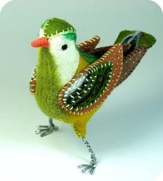 *NEEDLE FELTED ART ~ Green Felt Bird