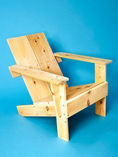 This design is loosely based on an Adirondack chair, but is much simpler in construction. You can build this chair with just two x x pieces of lumber and it should only take you a couple of hours.How to Build a Backyard Lounger Pallet Furniture Designs, Furniture Projects, Wood Projects, Diy Furniture, Garden Chairs, Patio Chairs, Outdoor Chairs, Wood Chairs, Beach Chairs