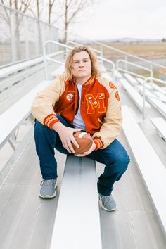 Senior Football Photography, Football Senior Photos, Football Players Photos, Football Poses, Football Pictures, Senior Boy Poses, Senior Guys, Senior Portraits, Senior Pictures Sports