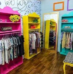 Boutique Interior, Ideas De Boutique, Design Boutique, Boutique Decor, Teen Bedroom Sets, Clothing Store Design, Master Bedroom Closet, Retail Design, Room Colors