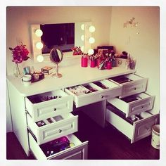 the best looking dresser/make up station!!!!!