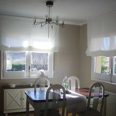 Estores enrollables cort lino de cortinadecor Roman Shades, Kids Room, Sweet Home, New Homes, Dining Room, Windows, Curtains, House, Home Decor