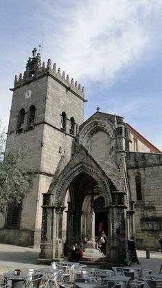 Guimarães, o berço de Portugal | via Viaggiando 04.03.2014 | A cidade soube preservar o seu passado memorável e seu Centro Histórico é considerado Património Cultural da Humanidade pela UNESCO.  Foto: Padrão do Salado