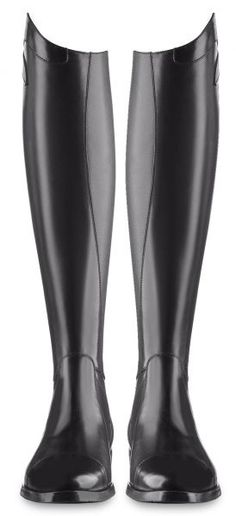 ARIES ego 7 boots - made to impress crafted to last. Attractive lines high tech details, fine materials and made to endure the wildest of dreams Equestrian Girls, Equestrian Boots, Equestrian Outfits, Equestrian Style, Equestrian Fashion, Tall Riding Boots, Tall Boots, Knee High Boots, Horse Fashion