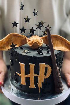 Harry Potter Theme Cake, Harry Potter Desserts, Harry Potter Treats, Harry Potter Fiesta, Gateau Harry Potter, Harry Potter Thema, Cumpleaños Harry Potter, Harry Potter Birthday Cake, My Birthday Cake