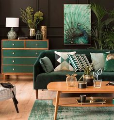 Touches de vert foncé pour un intérieur élégant Visit the website to see all photos https://picslovin.com/touches-de-vert-fonce-interieur-elegant/