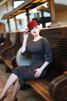 Learn This On Nice Ladies Fashion Estilo Pin Up, Estilo Retro, Retro Fashion, Vintage Fashion, Ladies Fashion, Burlesque Vintage, Vintage Dresses, Vintage Outfits, The Pretty Dress Company