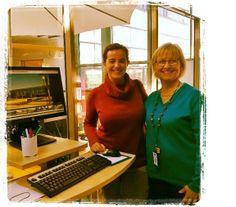 Laureassa henkilöstövaihdossa ollut Natalia Irles Alicantesta vieraili Otaniemen Laurea-kirjastossa.