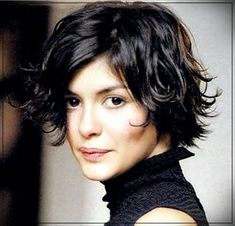 The most effective short wavy hairstyles usually are here. If you need to explore read more about hair styles for short wavy curly hair, read this guide to be able to know very well what can fit an individual the best. Short Shaggy Bob, Short Shaggy Haircuts, Haircuts For Wavy Hair, Curly Hair Cuts, Messy Hairstyles, Short Hair Cuts, Curly Hair Styles, Layered Hairstyles, Curly Bob