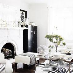 Zuhause, Einrichtung, Zebra Teppiche, Zebradruckteppich, Zebras, Weiße  Wohnzimmer, Schwarz Weiße Zimmer, Schwarz Weiß Dekoration, Schwarz Und Weiß