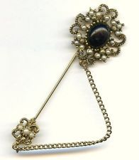 Vtg Pauline Rader Black Cabochon Faux Pearls Fleur de Lis Gold Tone Stick Pin