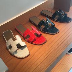 Hermes Oran Sandal in Crocodile Hermes Oran Sandals, Hermes Shoes, Hermes Birkin, Hermes Slippers, Womens Slippers, Ladies Slippers, Shoes 2015, Fancy Shoes, Designer Sandals