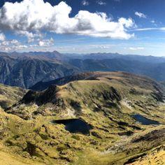 Vistes des del cim del Campirme dels estanys de Soliguera