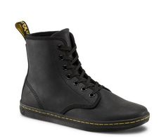 Martens Shoreditch Greasy in Black Greasy Lamper Dr. Martens, Dr Martens Boots, Low Boots, Black Ankle Boots, Knee High Boots, Dr Martens Store, Leather Booties, Ankle Booties, Leather Shoes