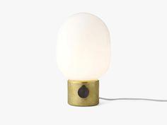 JWDA Metallic Lamp Brass Bordlampe fra Menu