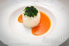 Arroz basmati, verduras y #salsa Sabayón de pimiento rojo. También resulta muy sabrosa sobre pescado a la plancha o cocido, como salmón.