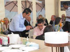 Los asistentes se mostraron agradecidos con  los platos servidos por el restaurante Le Dauphin.