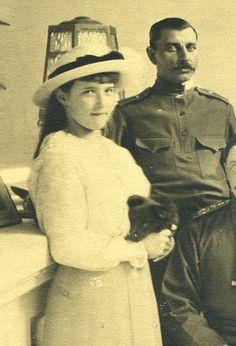 Anastazja z psem odwiedzający rannych żołnierzy.