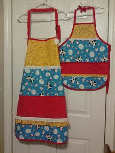Mommy and me apron set with farm animals