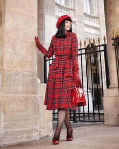 Stella Rose (@stella_rose_cherry) • Fotos y vídeos de Instagram Stella Rose, Fashion Updates, Tartan, Personal Style, High Neck Dress, Instagram, Shirt Dress, Shirts, Outfits
