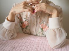 Find images and videos about pink, aesthetic and flowers on We Heart It - the app to get lost in what you love. Pink Aesthetic, Aesthetic Clothes, Aesthetic Vintage, Estilo Indie, Look Retro, Girly, Little Doll, Mode Vintage, Soft Grunge